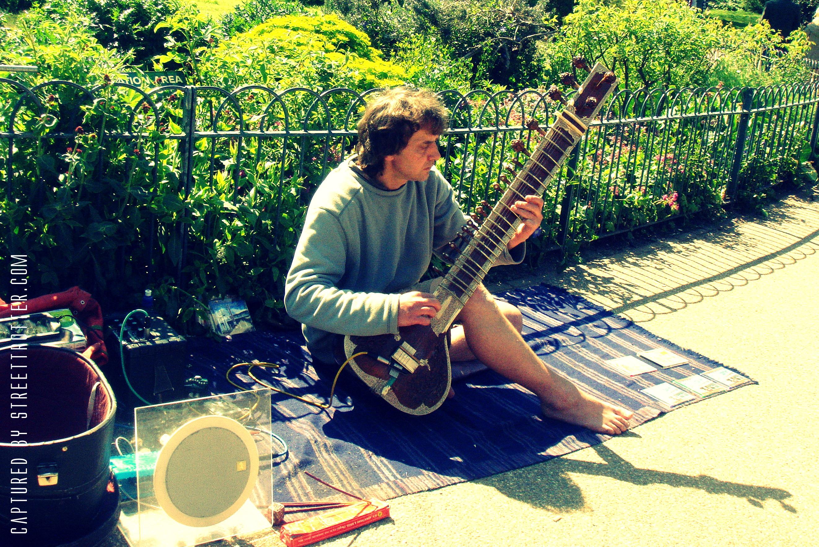 street musician - busking - street trotter