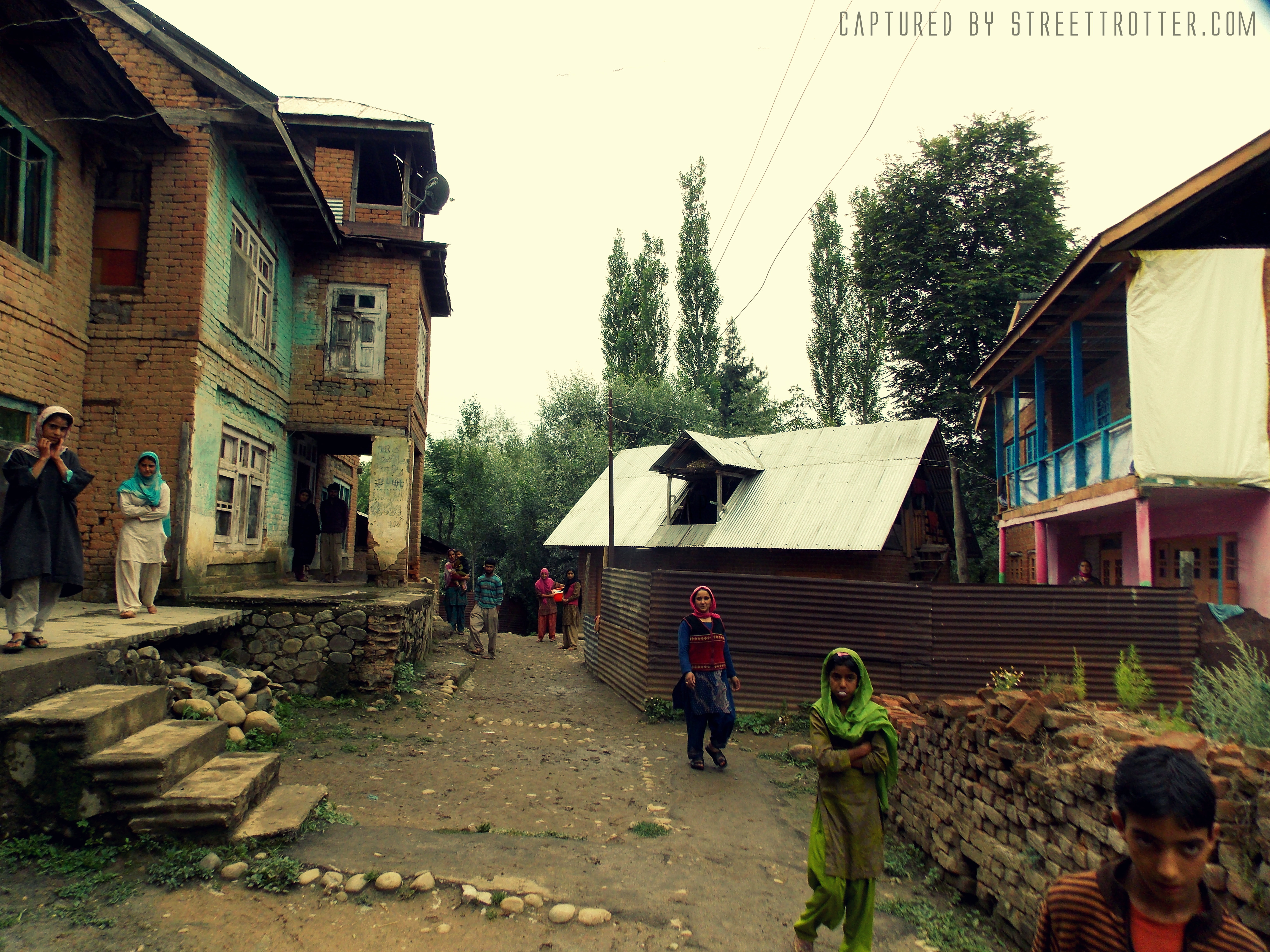 street of kashmir, srinagar