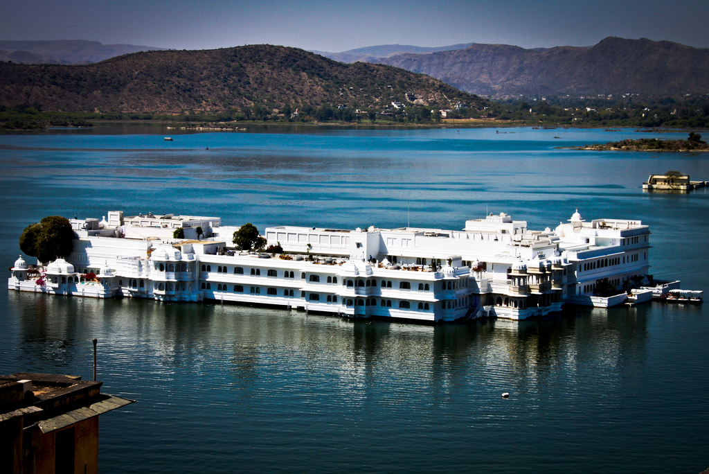 The Lake Palace - streettrotter