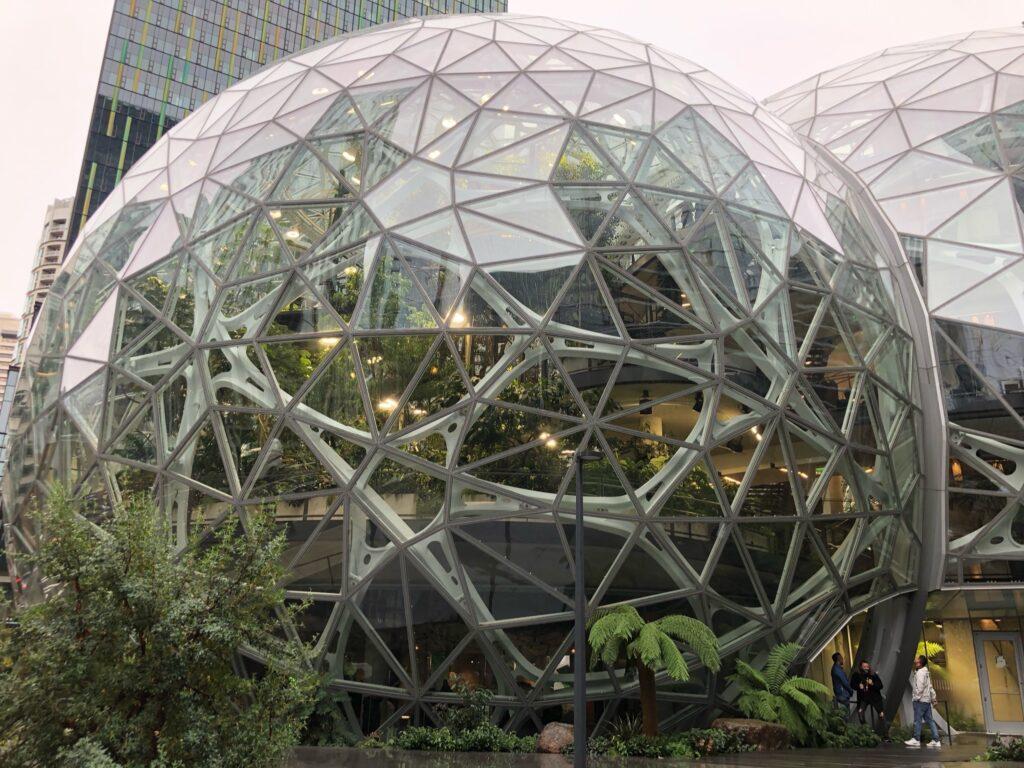 amazon-spheres-streettrotter